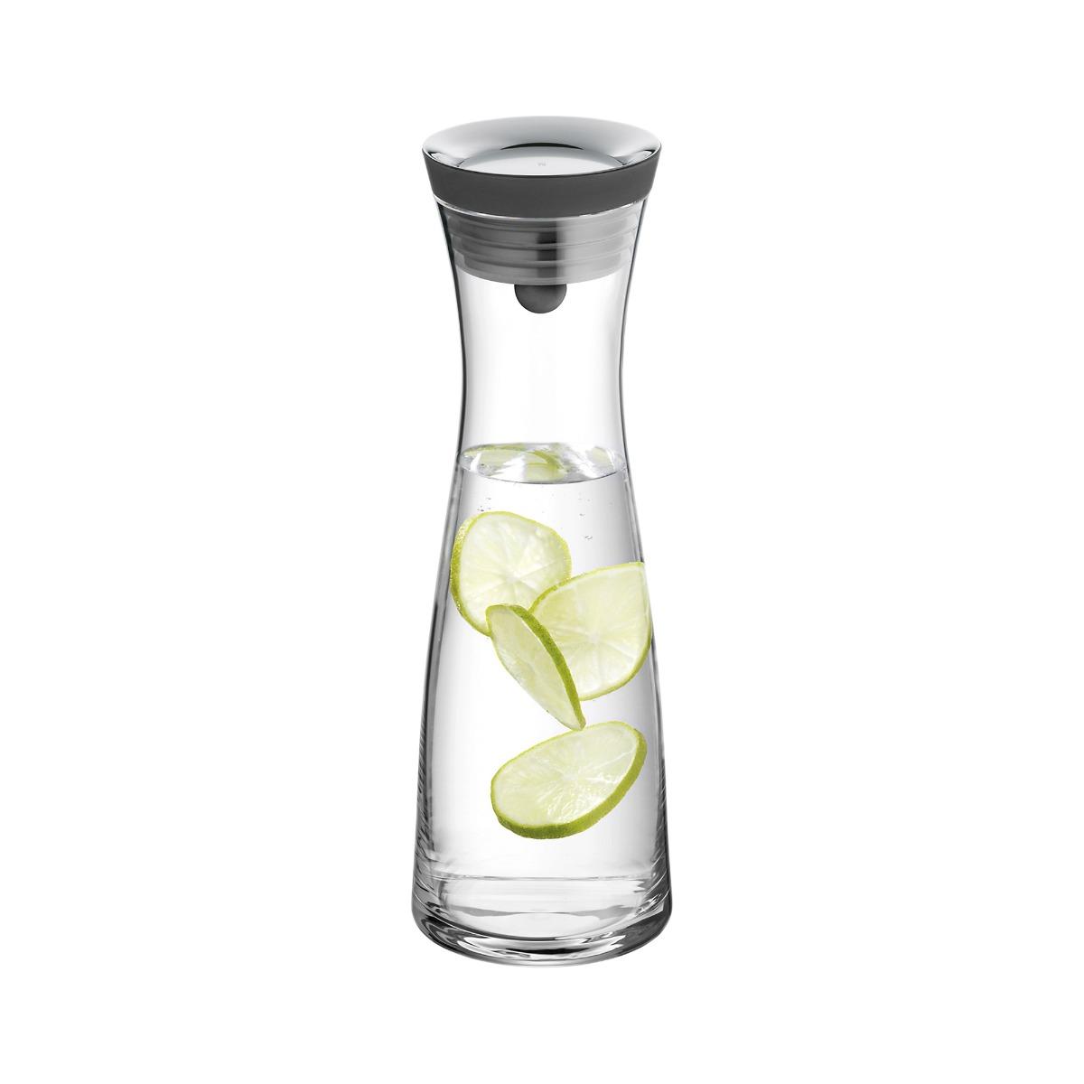 Glasflaschen und Karaffen